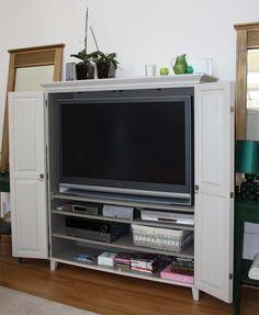 JUVIn täyspuinen TV-kaappi 144x45x165 cm www.juvi.fi