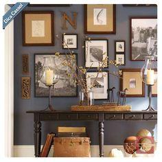 Parede Cheia!  Se você é daqueles que fica pensando em jeitos legais de colocar quadros na parede, vai adorar a nossa dica! Os quadros são peças-chave na decoração, completam o ambiente e trazem um pouquinho da personalidade do morador da casa!