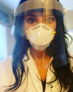 Gas Mask Girl, Beautiful Nurse, Respirator Mask, Jennifer Aniston, Kim Kardashian, Mascara, Cute Girls, Character Design, Masks