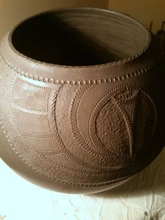 Katarina Bobic's Coiled Pottery: New pot, Coiling and Carving...