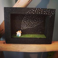 Little ceramic house diorama par MoonAndWoodShop sur Etsy, €45.00