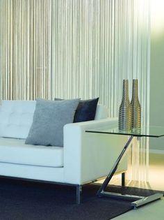 Draadgordijn als roomdivider; ook in wit, zilvergrijs of champagne kleur