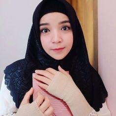 Assalamu'alaikum 🤗🤗 Cantik banget ya kak @cutputrims . . . Go follow @hijab_beauty.id #hijabkece #hijabstyle #lfl #fff #hijabindo #ootd #hijabootd #hijaber #hijabers #hijaberindo #hijaberkece #hijabcantik #hijabercantik #bidadaricantik #beautyhijab #hijabhot #hijabmurah #inspirasihijab #hijabkekinian #jilboobs #bidadarihijab #stylehijaber #hijabestshot #hijabmodis #jilbabcantik #hijaberhits #selebgramcantik #photooftheday #hijaboftheday