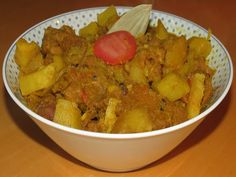 Dhokar Dalna - popular Bengali dish made with chickpeas