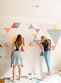 Inspired By This A DIY Geometric Wall Mural with BEHR Paint - - We had a difficult time determining what to do with this blank space at home. So, we teamed up with Behr to create an awesome DIY geometric wall mural! Room Wall Painting, Diy Painting, Wall Painting Design, Wall Paintings, Painting Patterns On Walls, Painting Murals On Walls, Faux Painting, Painting Furniture, Diy Wall Art