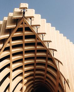 Giuro che presto la smetto di postare foto di #expo2015 ma l'architettura dei padiglioni è qualcosa di fantastico. French Pavilioni  Expo  #VSCOcam #artmobile by puma_36