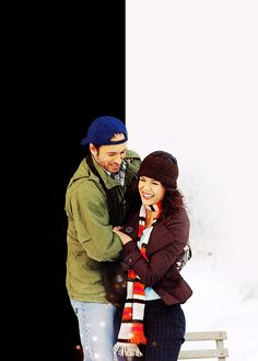 luke and lorelai, one of my favorite love stories that ends up the way it began best friends, but more. Gilmore Girls Dean, Watch Gilmore Girls, Gilmore Girls Quotes, Luke And Lorelai, Lorelai Gilmore, Babette Ate Oatmeal, Glimore Girls, 2 Broke Girls, Stars Hollow