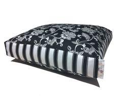 Molly dog bed