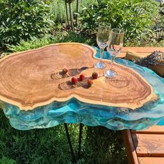 Wood Resin Table, Wood Table, Epoxy Resin Wood, Diy Epoxy, Live Edge Table, Live Edge Wood, Wooden Wall Art, Wooden Walls, Whisky Spender