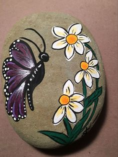 Easy Paint Rock For Try at Home (Stone Art & Rock Painting Rock Painting Patterns, Rock Painting Ideas Easy, Rock Painting Designs, Art Patterns, Stone Art Painting, Pebble Painting, Pebble Art, Painted Rocks Craft, Hand Painted Rocks