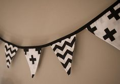 Children's Black and White Chevron Bunting. Kids Decor/Party Decor/Black and White Banner/Kids Bunting/Chevron Bunting/Chevron Garland. Preschool Decor, Kids Decor, Decor Ideas, Boy Toddler Bedroom, Wedding Bunting, Industrial Bedroom, Black Decor, Classroom Decor, Color Mixing