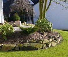 holzpalisaden beeteinfassung holz gartenideen palisaden holz, Garten und bauen