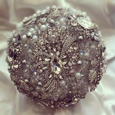 isnt this embellished pomander ball just stunning?   courtesy Floral Creations by Reena   www.shaadibelles.com