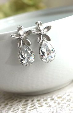 Sparkly teardrops. Gorgeous!