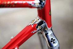 Colnago Arabesque is back! Colnago has re-issued one of the company's most beloved models – the Arabesque. Known for its flourishing lugs and round tubing, the Arabesque was released in 1983 but only spent one year on the market.