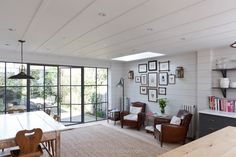 Fab space in a modest side return extension