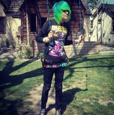 emo boy blue and green hair and he's a BOTDF lover yay - İnteresting Hair İdeas Here Cute Emo Guys, Hot Emo Boys, Emo Love, Emo Girls, Cute Boys, Cute Scene Boys, Emo People, Scene Guys, Emo Scene Hair