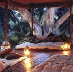 INSPIRATION Treehouse patio ~~ What a great outdoor space to create.Great for a Meditation space or you could make a version of this treehouse for your kids! Outdoor Rooms, Outdoor Living, Outdoor Decor, Outdoor Yoga, Indoor Outdoor, Meditation Space, Yoga Meditation, Kundalini Yoga, Luxury Camping