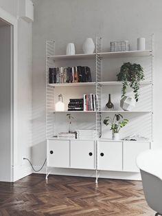 Open shelving necessitates keeping things orderly — this gorgeous white option is from Swedish furniture maker String. String Regal, String Shelf, Sketchup Pro, 3d Max Vray, Futuristisches Design, White Shelves, Affordable Furniture, Furniture Online, Scandinavian Interior