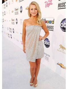 Julianne Hough Billboard Music Awards 2012