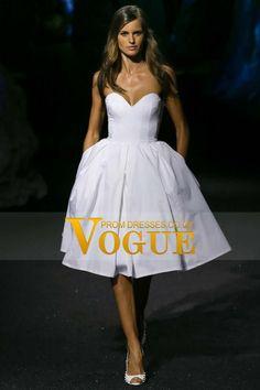 Chic A-Line Novia longitud de la rodilla Vestidos de boda del tafetán