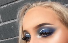 Blue eyeshadow💙