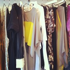 A N N Y E E s/s12 in the house
