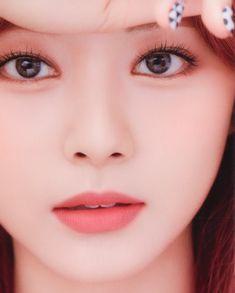 Kpop Girl Groups, Korean Girl Groups, Kpop Girls, South Korean Girls, Beautiful Asian Girls, Most Beautiful Women, Pretty Makeup Looks, Face Images, Twice Once