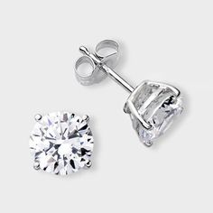 High Quality Cubic Zirconia Stud Earrings Featuring 1 5 Carat Each 7 Mm Brilliant Round
