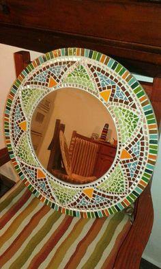 Mosaic Tile Art, Mosaic Pots, Mosaic Mirrors, Mosaic Crafts, Mosaics, Mosaic Madness, Mirror Work, Stained Glass, Diy And Crafts