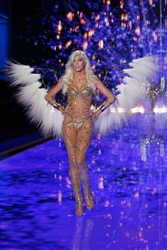 Pin for Later: See Every Jaw-Dropping Look From the Victoria's Secret Fashion Show Victoria's Secret Fashion Show 2014 Devon Windsor
