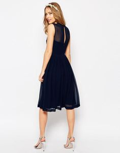 Discover the latest fashion & trends in menswear & womenswear at ASOS. Emerald Green Bridesmaid Dresses, Beach Bridesmaid Dresses, Knee Length Bridesmaid Dresses, Affordable Bridesmaid Dresses, Inexpensive Wedding Dresses, Wedding Dresses Plus Size, Cheap Wedding Dress, Wedding Dress Styles, Nordstrom Wedding Dresses