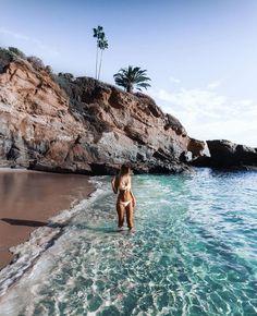Girl girl tumbles aesthetically pleasing summer vibes and feels beachy sand . Photo Summer, Summer Pictures, Beach Pictures, Summer Beach, Summer Vibes, Men Summer, Summer Feeling, Summer Bikinis, Style Summer