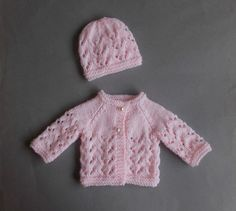 Marianna's Lazy Daisy Days Little Bibi - Preemie Baby Jacket & mariannas lazy daisy days little bibi - frühchen-babyjacke & marianna's lazy daisy days little bibi - veste bébé prématuré Baby Cardigan Knitting Pattern Free, Crochet Baby Jacket, Baby Hats Knitting, Lace Knitting, Knitted Hats, Baby Knitting Patterns Free Newborn, Simple Knitting, Knit Lace, Hat Crochet