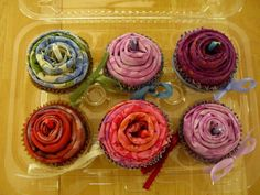 Fat Quarter Cupcakes - a great idea for friends who quilt or craft.