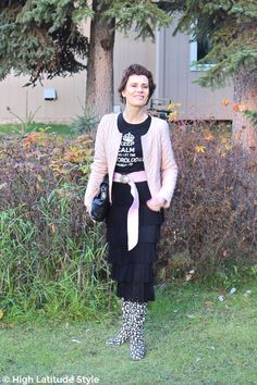 #midlifefashion #midlifestyle Posh chic outfit inspirations for women in midlife for a Thanksgiving brunch and a Top of the World Style linkup party.