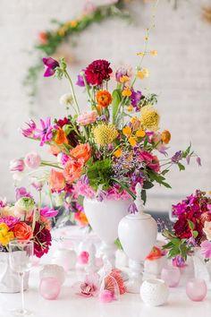 Bright colored wedding #centerpieces | Fab Mood - UK #wedding blog