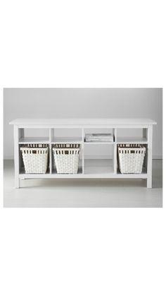 Perfekt als Raumteiler hinter dem Sofa! Hemnes Ablagetisch, 129,-€ bei IKEA
