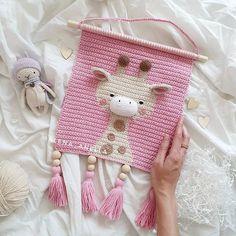Crochet Wall Art, Crochet Wall Hangings, Crochet Pillow, Tapestry Crochet, Crochet Motif, Crochet Patterns Amigurumi, Crochet Dolls, Yarn Projects, Crochet Projects
