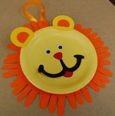 CLEARANCE Lion Handprint Keepsake Craft Kit por CraftsForKids