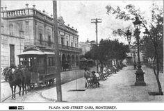 Plaza y carruajes en Monterrey