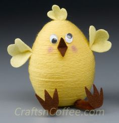 How cute would this be in an Easter basket? Tutorial on CraftsnCoffee.com