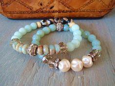 Pearl stretch bracelet 'ByGones' dimpled cream от slashKnots