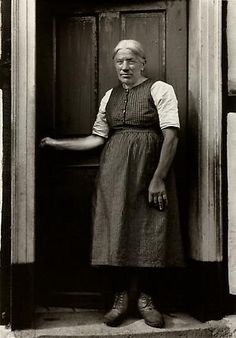 August Sander Farmer's Wife, c. 1932 © SK-Stiftung Kultur – August Sander