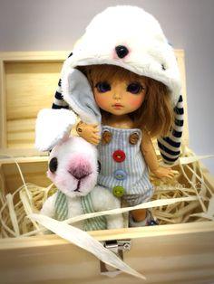 Kawaii Doll, Bjd, Crochet Hats, Dolls, Yellow, Hair Down Hairstyles, Up Dos, Faces, Bonito