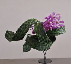 Orchid with weaved leaves - Miscanthus