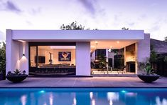 Gallery of Alphington House by InForm Design / The Local Project - The Local Project Natural Swimming Pools, Indoor Swimming Pools, Swimming Pool Designs, Architecture Design, Residential Architecture, Interior Exterior, Exterior Design, Modern House Design, Luxury Homes
