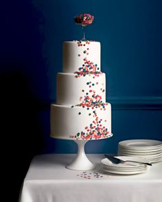 I thought you might like some polka dots. I like how they tumble down the cake.