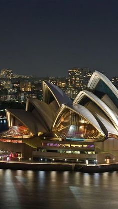 This isnot new architecture but Zeen. Amazing View of Sydney Opera House (10+ Pics)