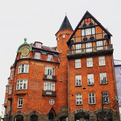 A building Close to Strøget Copenhagen Denmark. The building is from 1904. The style is very typical for Copenhagen and a bit of a mess: bricked walls granite walls for the first floor cast iron balconies. The spire is made of new copper plates. That kind of copper spires domes and towers are also very common in Copenhagen. The apartments are among the most expensive apartments in Copenhagen and m2-prices may exceed 50000 DKK or 6700 EUR. #oldcity #oldhome #oldtown #oldarchitecture…